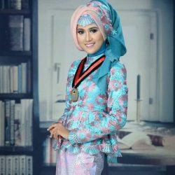 Model Kebaya Wisuda Muslim Masa Kini