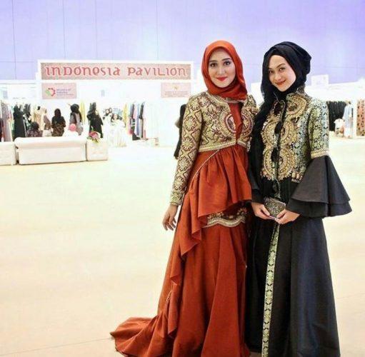 Ragam Kreasi untuk Model Gaun Pesta Batik Muslim